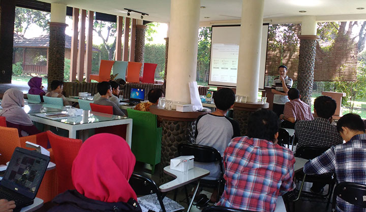 Workshop Jadi Freelancer Kaya bersama Daniel G. Pratidya